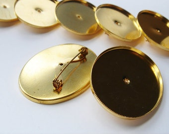 70 Vintage Gold tone Oval Brooch Findings CS136. Regular price 39.99 25% off now 29.99