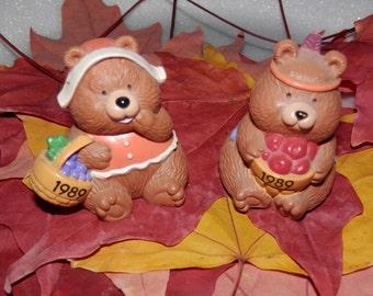 Vintage Pair of Hallmark Thanksgiving Autumn Merry Miniatures 1989- Pilgrim & Indian Bears