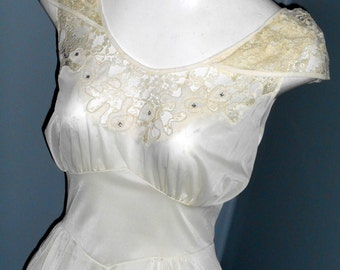 Stunning Vintage Slip Negligee 40s 50s Vixen Pin Up Night gown Lingerie Rhinestone Sheer Lace size 34 Long Burlesque 60s Cream White