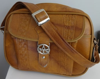 1970s Tan vegan leather oversize Purse Laptop carrier camera bag overnight shoulder Bag