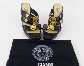 Rare Iconic RUNWAY GIANNI VERSACE Celebrity Medusa Embellished Stiletto Mules Hard To  Find Sz 8.5