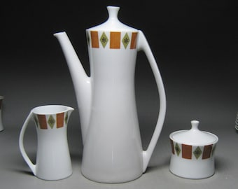 Ben Seibel designed FORUM INTERNATIONAL coffee pot , 8 cups 8 saucers creamer and sugar
