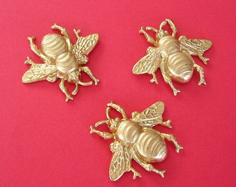 2- Bee Bug Insect Brass Stamping Ornament Pendant Jewelry Findings.