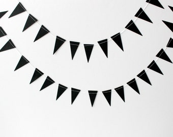 Black Geometric Paper Garland, Triangle Paper Bunting, Apartment Decor, Wedding Reception, Photo Prop, Party Decor, Wedding Backdrop