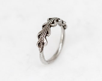Laurel Crown ring - silver