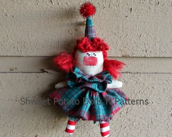 Primitive Christmas Tree Raggedy Annie Mini Doll Ornament