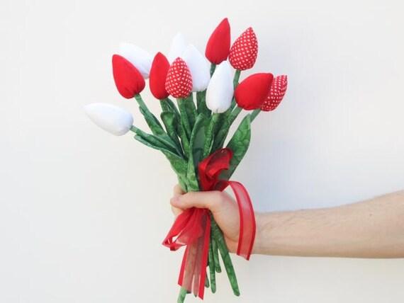 fête des mères bouquet de fleurs tissu tulipes rouge tissu