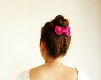 Magenta crochet hair bow, fuchsia hair bow, Girls hair bow clip, Crochet pink bow clip, Cute hair bow, Girl's hairbow, Sock bun bow