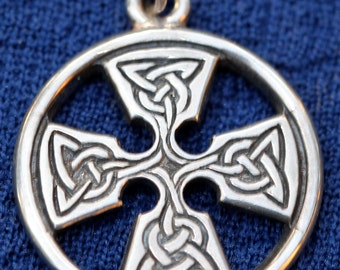 Sterling Silver Celtic Knot Pendent Signed