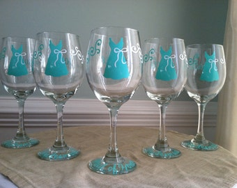5 Bridemaid Wine Glasses Personalized Wedding Party Gift Dress Engagement Party Cocktail