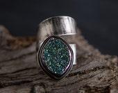 Rainbow Druzy Wrap Ring-Druzy Titanium Hammered Ring-Wraparound Ring-Green Purple Druzy Ring