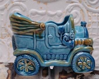 Kitschy Rubens Turquoise Car Japan 5145