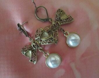 Earrings, Vintage earrings, Antique bronze earrings, pierce earrings,  antique bronze bow connector earrings, fashion earrings,