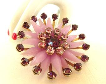 Vintage Rhinestone Brooch Flower Plastic Purple Lavender Gold 50's (item 223)