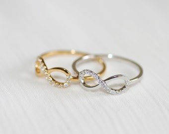 0.10ct  INFINITY DIAMOND RING  in 14k White Gold One Infinity Ring