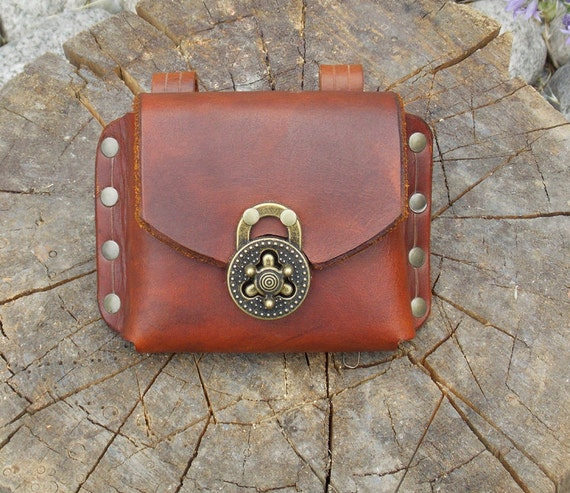 handmade leather belt pouch