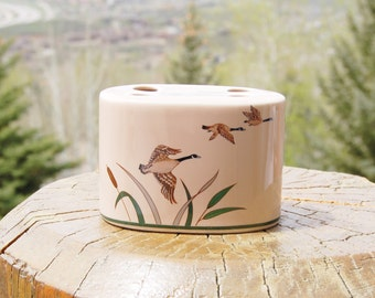 Canada Geese Flying Toothbrush Holder Porcelain Canadian Made in Japan