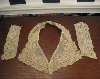 Vintage lace collar & cuffs