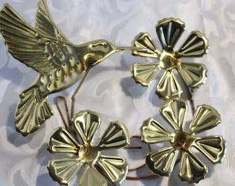 Hammered Gold Metal Wall Hanging Hummingbird Flowers