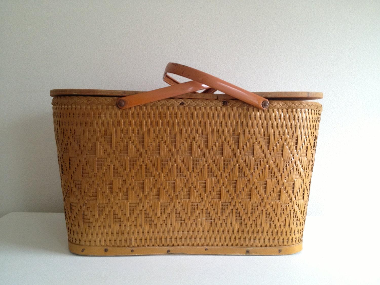 Picnic Basket Dish Set : Vintage redmon picnic basket with pie shelf and dish set