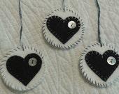 Penny rug ornament set, 3 round Christmas ornaments, circle ornaments, felt ornaments, felt heart ornaments, black hearts,  button ornaments