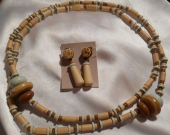 Avon Indian Summer Long Plastic Bead Necklace and Matching Dangle Earrings Neutral Colors
