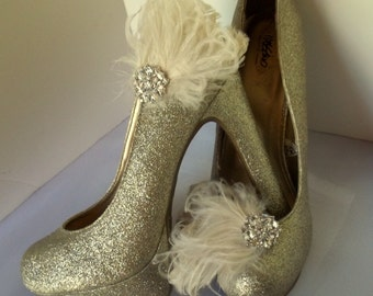 Bridal Shoe Clips, Wedding Shoe CLips, Ivory Feather Shoe Clips, SHoe Clips for Wedding Shoes, Bridal Shoes, ShoeClipsOnly Designer