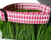 Dog collar - Pink and white herrod plaid  houndstooth print - Your choice of size...