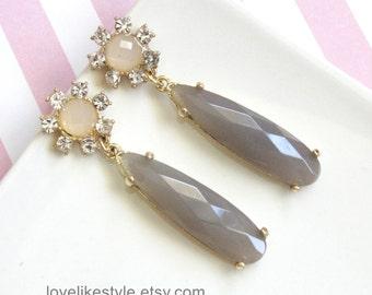 Gray Long Tear Drop Earrings, Bridal Gray Earrings, Bridesmaid Earrings, Light Gray  Earrigns