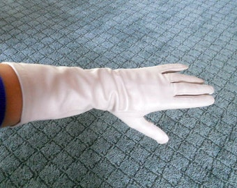 Vintage Leather Gloves Rayon Lined Women's Gloves Ivory Macys Marchioness Size Medium Glove