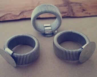 10pcs retractable White K Ring Blanks (ring base 16mm)