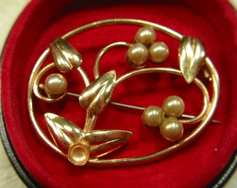 CLEARANCE vintage brooch
