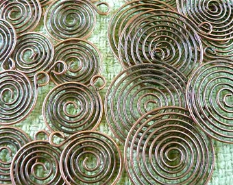 30 pieces, Copper spirals. 2 sizes, 20mm and 30mm