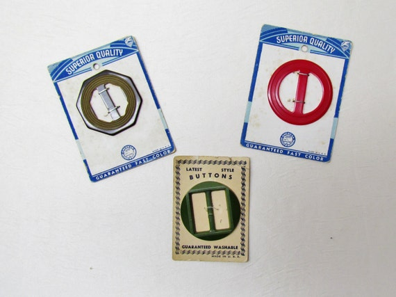 Vintage buckles - lot of 3 slide buckles on original cards, 2 are bakelite, 1930's