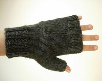 dark green fingerless gloves for men knitted with yarn 100% wool