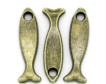 Fish Charm 8 Charms Antique Bronze Tone Metal 17 x 4 mm,  Bz241