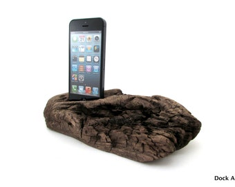 iPhone 5/s Dock in Driftwood