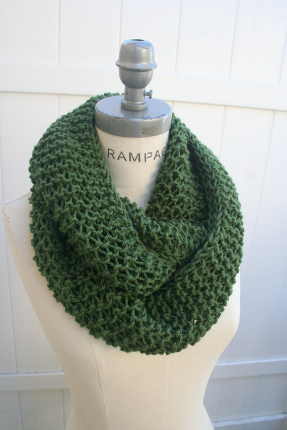 Knit scarf  Hand Knitted Scarf Pine Green  Winter Scarf Knit  Neck warmer - By PIYOYO