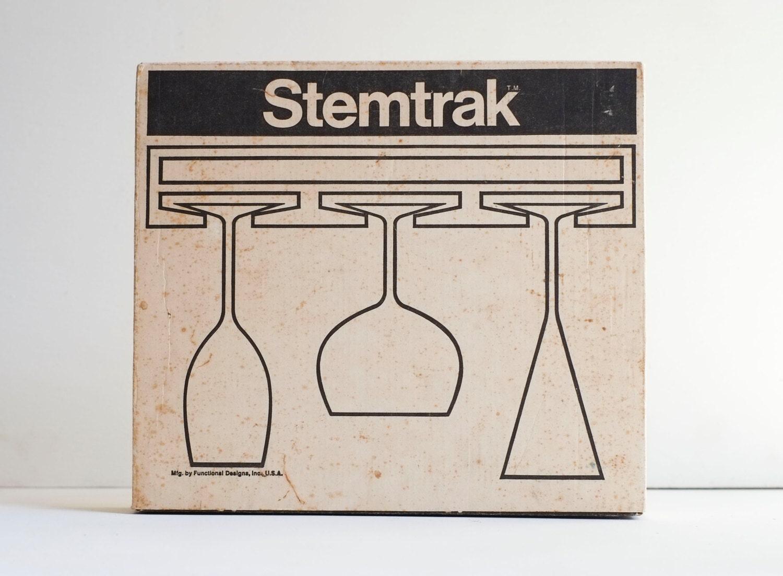 minimaliste stemtrak suspendu tige rack clear acrylique bar. Black Bedroom Furniture Sets. Home Design Ideas