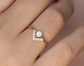 Simple Wedding Ring Set, Bespoke Engagement Ring, Minimalist Wedding Ring Set, Dainty Diamond Ring Set, V Ring, 0.2 Carat Diamond Ring