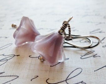Lavender Day Lily Czech Glass Earrings / Purple Bell Flower Earrings / Freshwater Pearls / SimplyJoli Dangle Earrings