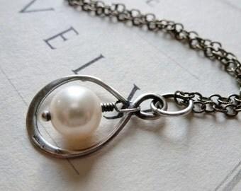 Teardrop Infinity Sterling Silver & Freshwater Pearl Pendant Necklace / SimplyJoli