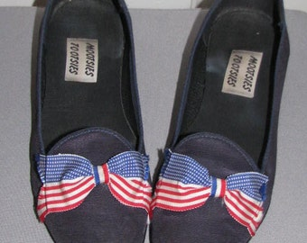4th of July // MOOTSIES TOOTSIES AMERICAN Flag Bow Flats // Ballet Bow Tie Shoes Size 8.5 Freedom 80's Summer Red White Blue