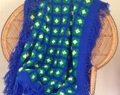 Vintage handmade navy blanket throw aghan, hippie blanket throw, dorm throw, 80s, 90s, navy blanket throw, daisy blanket throw