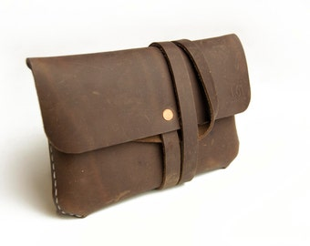 Small Pouch (Traveler's Notebook Size) - Hand stitched, Leather, Veg-tan.