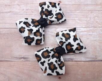 White leopard print pigtail bows, leopard print bows, toddler bows, pigtail bows, small bows, baby bows, girls hair bows, cheetah bows
