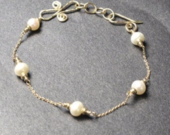 Choice of Pearl Fine Chain Bracelet 54