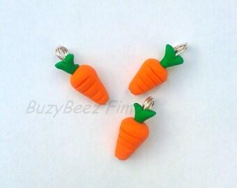 Carrot charm (2)