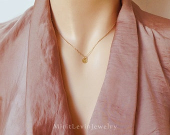 Gold Disc Necklace, Simple 14K Gold disk Necklace, Delicate Dainty tiny dot Necklace, minimalist layer Necklace, hammered
