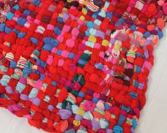 Tutorial - How to Weave a Potholder Rug